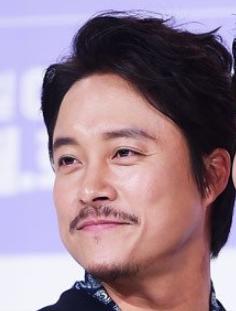 チェ・デチョル/マ・ジョンジャ内官役