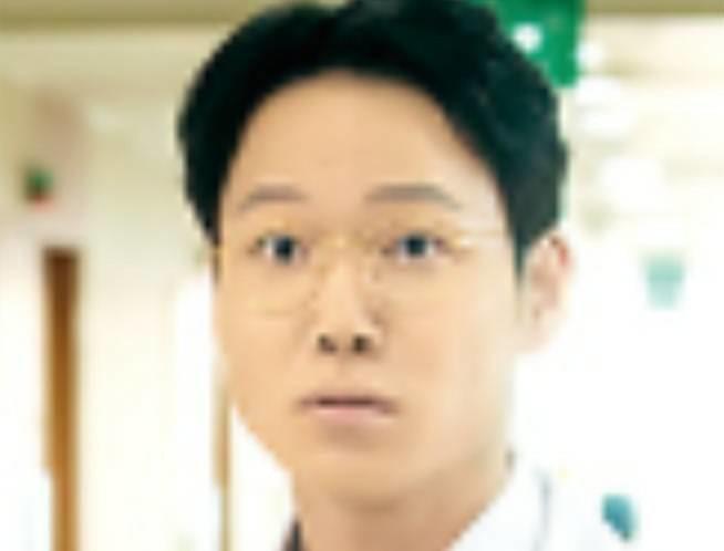 ホ・ジョンド/パク・ミンス役