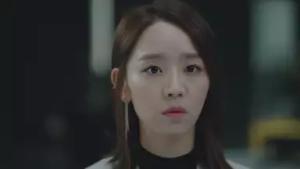 シン・へソン/チャ・シア役