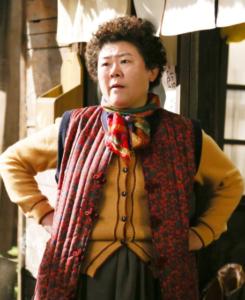 イ・ジョンウン/ウジンの母役