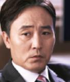 オム・ヒョソプ/シム・ウチョル役