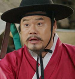 キム・ジョングク/チョン別監役
