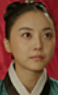 イ・セナ/クンジ役
