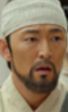 ホ・ジュンソク/クッス役
