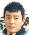イ・ボムス/ワン・ハオ役