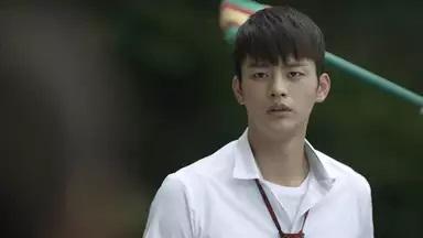 ソ・イングク/イ・ミンソク役
