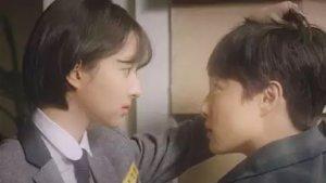チョン・ヘソン/チン・ジニョン役
