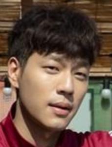 キム・ジョンフン/ファン・ナック役