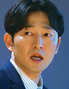 ホ・ジュンソク/ナム課長役