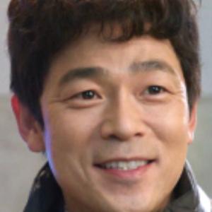 イ・スンジュン/クォン・ヨンチャン役