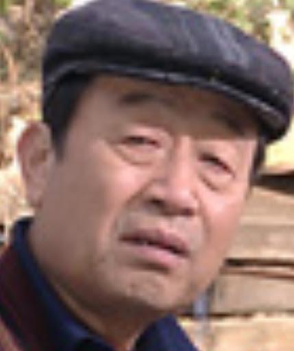シン・グ/ミン・ヒョンソク役