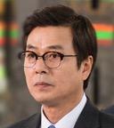 ソヌ・ジェドク/チャン・ソンマン役
