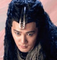 ジー・シャオフェイ/灰耳(かいじ)役