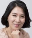 ファン・ヨンヒ/スンチョルの母役