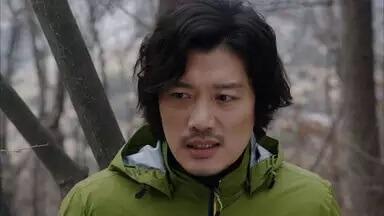 パク・ヒスン/オ・デヨン役