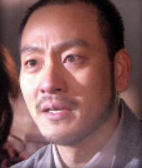 パク・ヘス/キム・ユヌ役