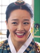 クォン・ソヒョン/大妃役